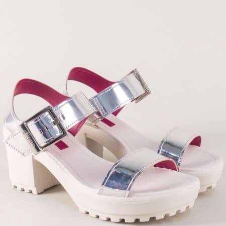 Модерни дамски сандали на висок стабилен ток в сребрист цвят a667142sr
