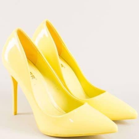 Жълти дамски обувки със заострен връх и висок ток ah1j