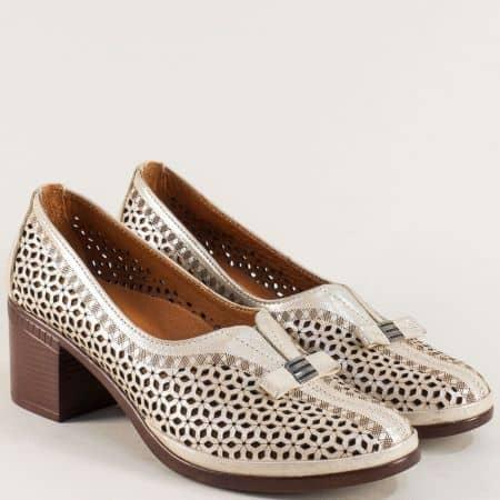 Бежови дамски обувки на среден ток с кожена стелка b06sbj