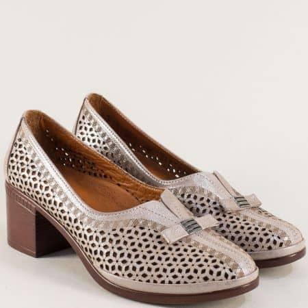 Дамски обувки на среден ток от естествена кожа с перфорация b06stbj