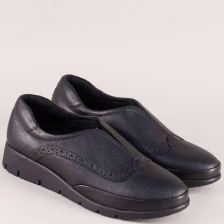 Дамски обувки от естествена кожа в черен цвят с ластик b1000ch