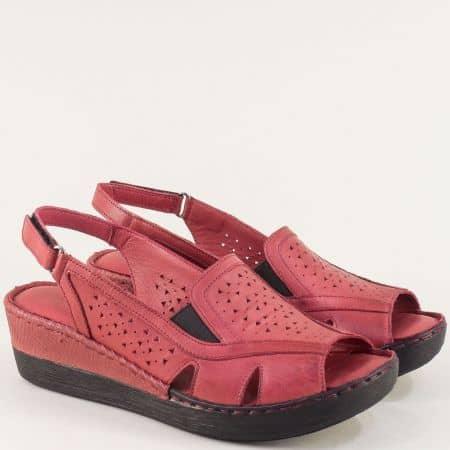 Кожени дамски сандали в цвят бордо на платформа b102bd