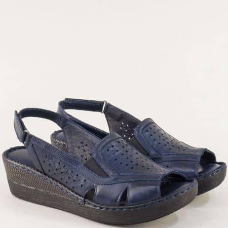 Кожени дамски сандали на платформа в син цвят b102ts