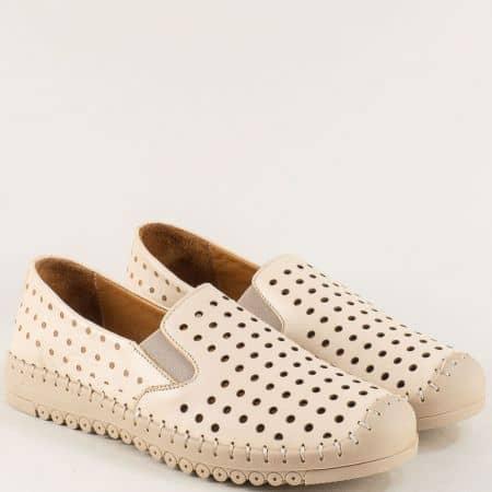 Кожени дамски обувки с перфорация в бежов цвят b1035bj