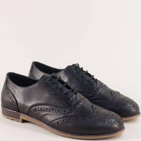 Черни дамски обувки с швейцарски перфо мотив b109ch