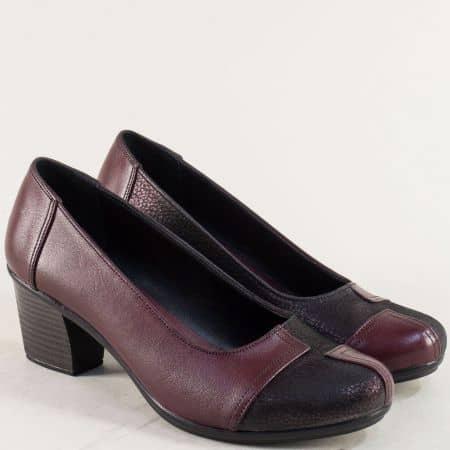 Кожени дамски обувки на среден ток в черно и бордо b200bd