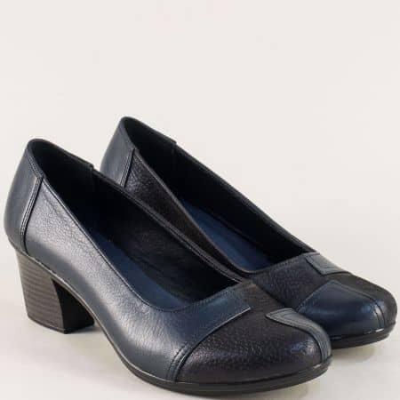 Кожени дамски обувки на среден ток в тъмно син цвят b200s
