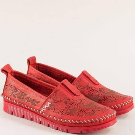 Червени дамски обувки с перфорация на равно ходило b256chv