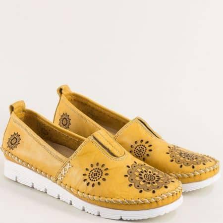 Жълти дамски обувки с перфорация от естествена кожа b265j