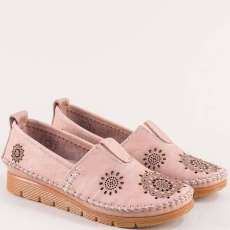 Дамски обувки в розов цвят с кожена стелка и перфорация b265rz