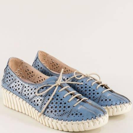 Перфорирани дамски обувки на платформа в син цвят b316s