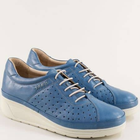 Кожени дамски обувки на платформа с перфорация в синьо b3500ds