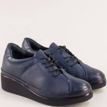 Спортни дамски обувки на лека платформа от кожа в син цвят b3500s