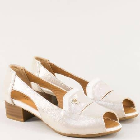 Златисти дамски обувки от сатен и естествена кожа b61szl