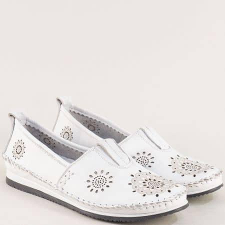 Бели дамски обувки с перфорация и кожена стелка b65b