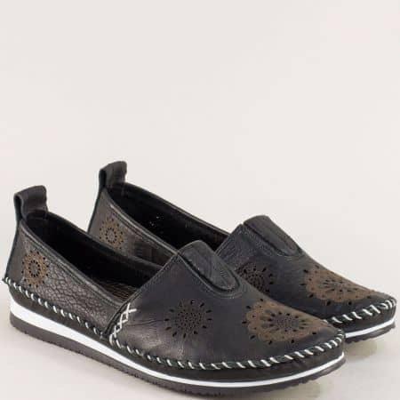 Черни дамски обувки на равно ходило с перфорация b65ch
