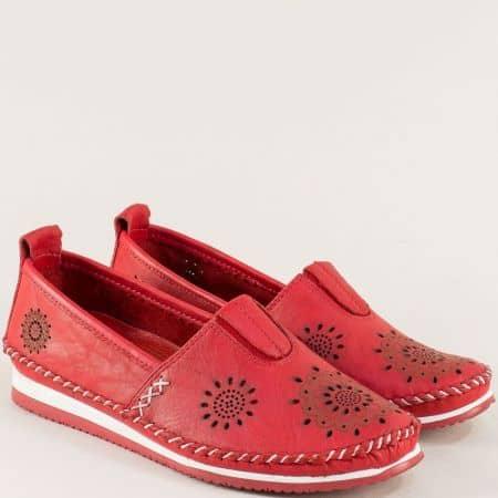 Червени дамски обувки с перфорация от естествена кожа b65chv