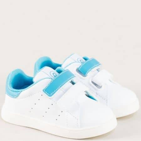 Детски кецове в синьо и бяло с две лепки на равно ходило b682bs
