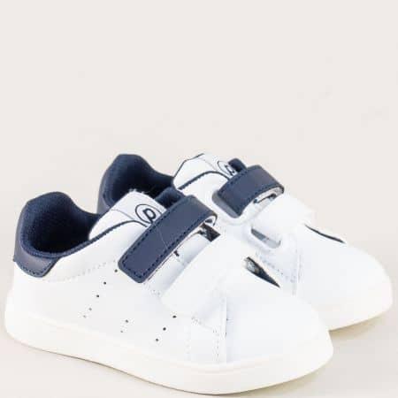Детски кецове с две велкро лепенки в бял и син цвят b682bts