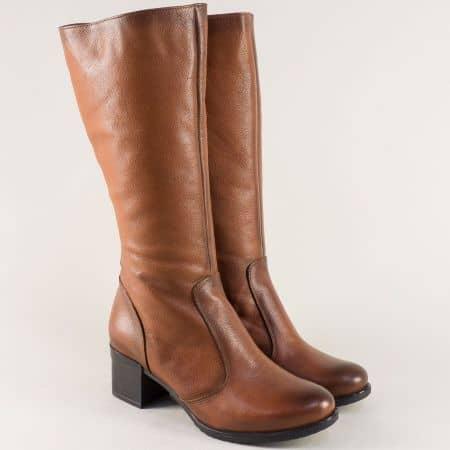 Кафяви дамски ботуши от естествена кожа на среден ток b75k