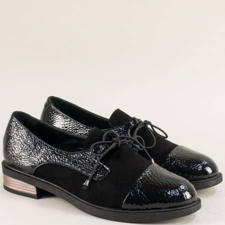 Дамски обувки от естествен лак и велур в черен цвят b8003vchlch