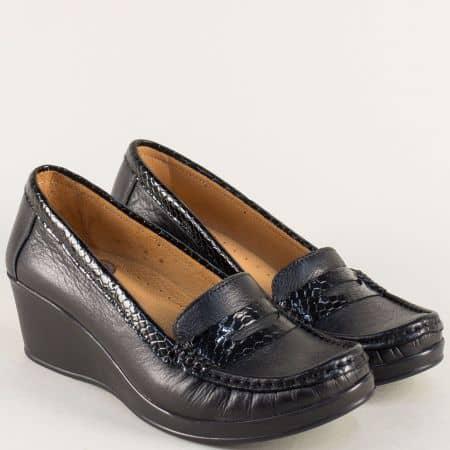 Черни дамски обувки от естетвен лак и кожа на клин ходило b805krch