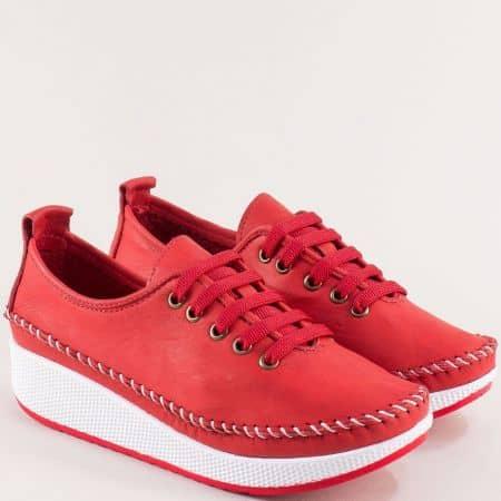 Кожени дамски обувки в червен цвят на платформа b861chv