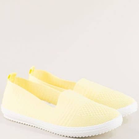Спортни дамски обувки в жълт цвят на равно ходило ca03j