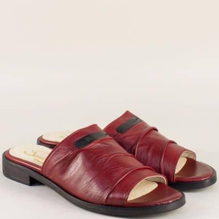 Кожени дамски чехли в тъмно червен цвят на нисък ток candela1chv