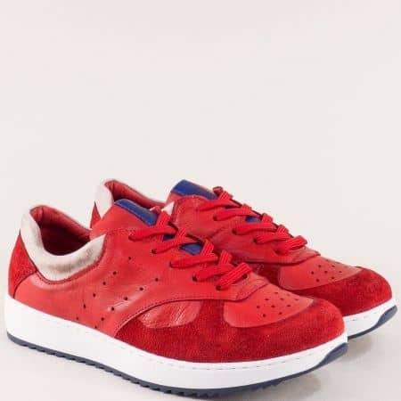 Дамски маратонки на шито ходило в червен цвят ceo01chv