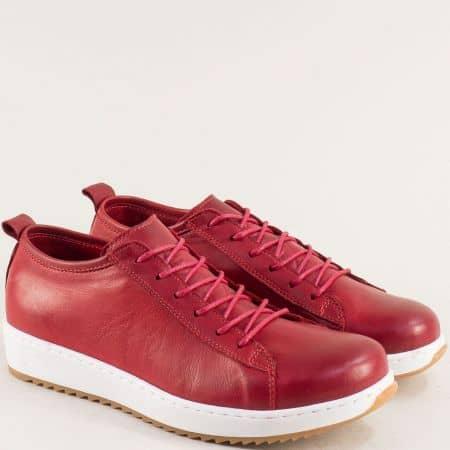 Спортни дамски обувки в бордо на меко и равно ходило от кожа ceo23bd