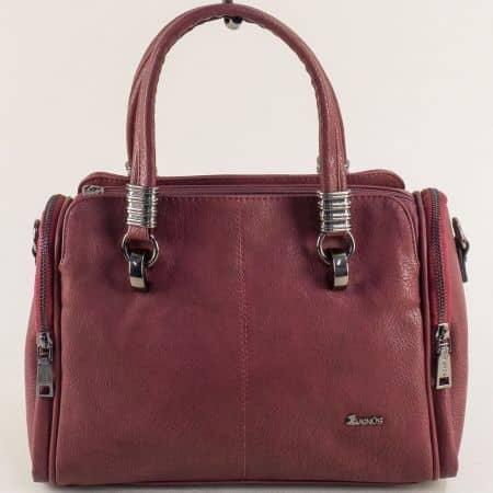 Дамска чанта в цвят бордо с три външни джобчета с цип ch023bd
