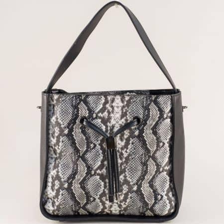 Дамска чанта със змийски принт в сиво и черно ch0402krch