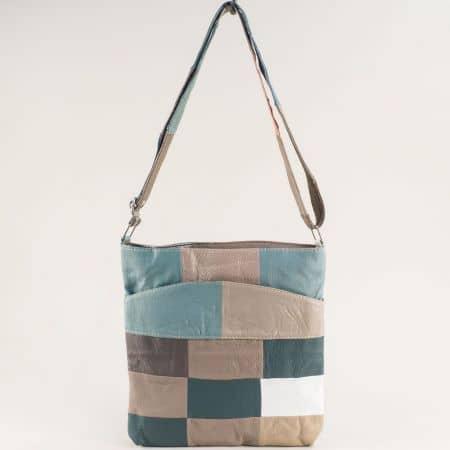 Кожена дамска чанта в бежово, бяло, зелено и кафяво ch081118ps5