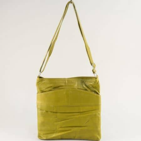 Кожена дамска чанта в зелен цвят с дълга дръжка ch081118z4