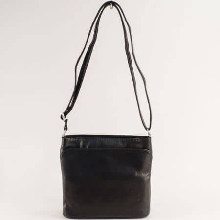 Кожена дамска чанта с три прегради в черно ch090220ch