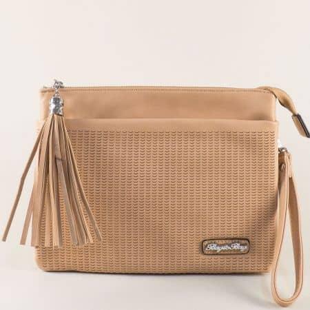 Кафява дамска чанта с пискюл и две прегради ch1318k