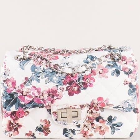 Дамска чанта в бяло на цветя ch13282b