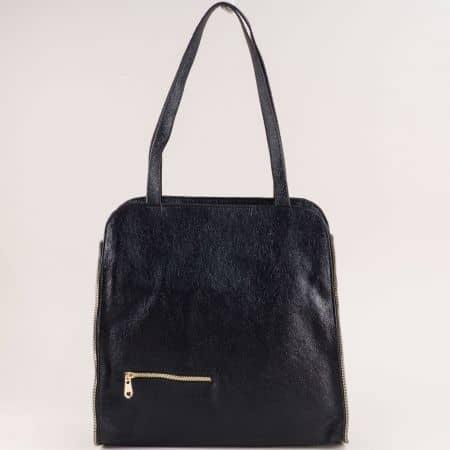 Дамска чанта в черен цвят със змийски принт ch1464krlch