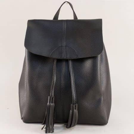 Дамска раница в черен цвят с два пискюла  ch1502ch