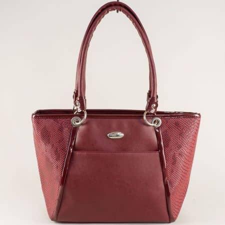 Българска дамска чанта с три прегради в цвят бордо ch2087bd