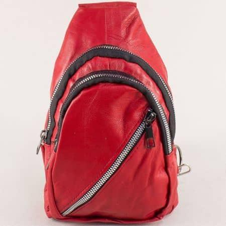 Дамска раница в червен цвят от естествена кожа ch249chv
