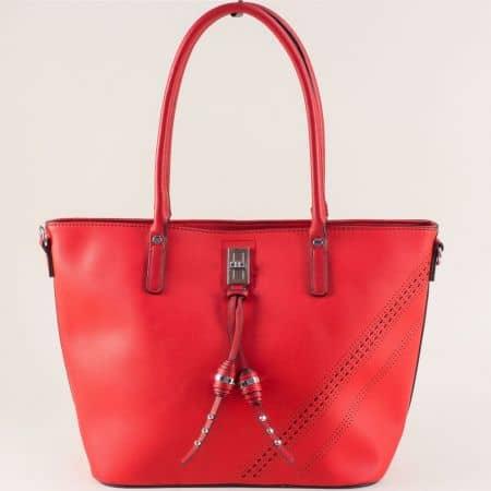 Дамска чанта с три прегради в червен цвят ch332chv
