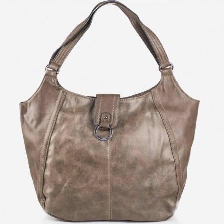 Дамска ежедневна чанта с метален детайл на марката David Jones в бежов цвят ch3967-5bj