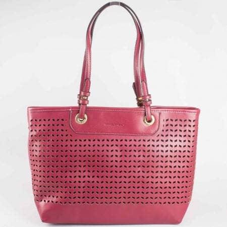 Дамска стилна чанта с перфорация на френския производител David Jones в лилав цвят ch3975-1l