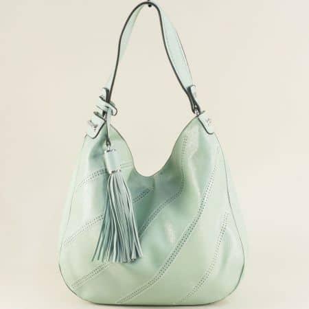 Светло зелена дамска чанта с пискюл, тип торба ch466z