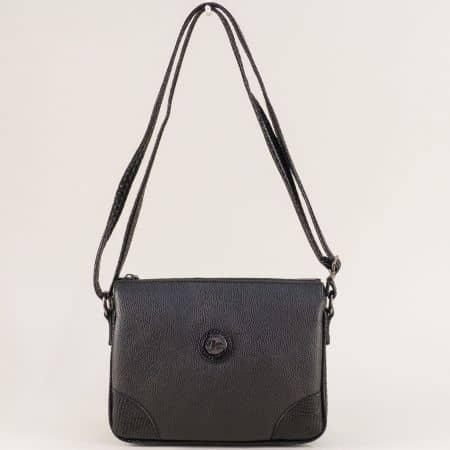 Дамска чанта в черен цвят с външен джоб с цип ch4716zch