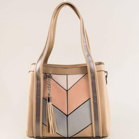 Дамска чанта в бежово, розово и синьо с пискюл ch4742bjps