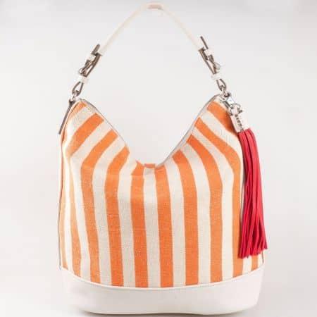 Дамска чанта в оранж с принт вертикално райе и закачлив пискюл- френски производител ch5081-1o
