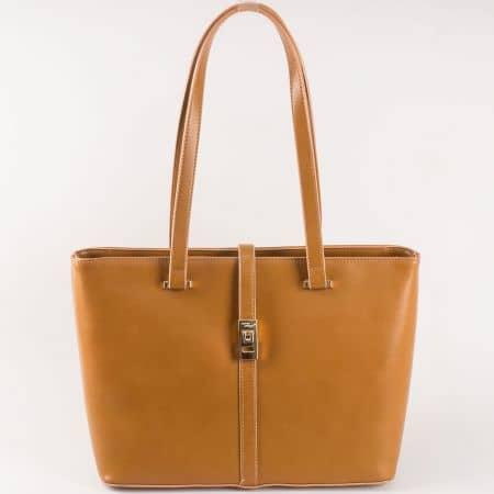 Дамска чанта David Jones в кафяв цвят с къси дръжки ch5219-5k